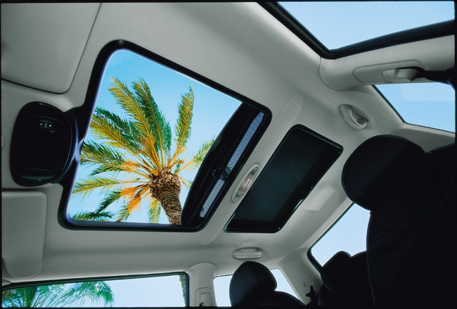 moonroof vs sunroof